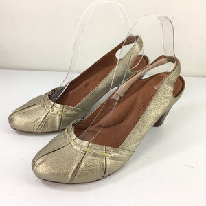 Gentle Souls heels 7.5 Platinum Gold Silver retro